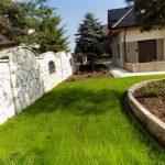Trawnik z siewu + murek