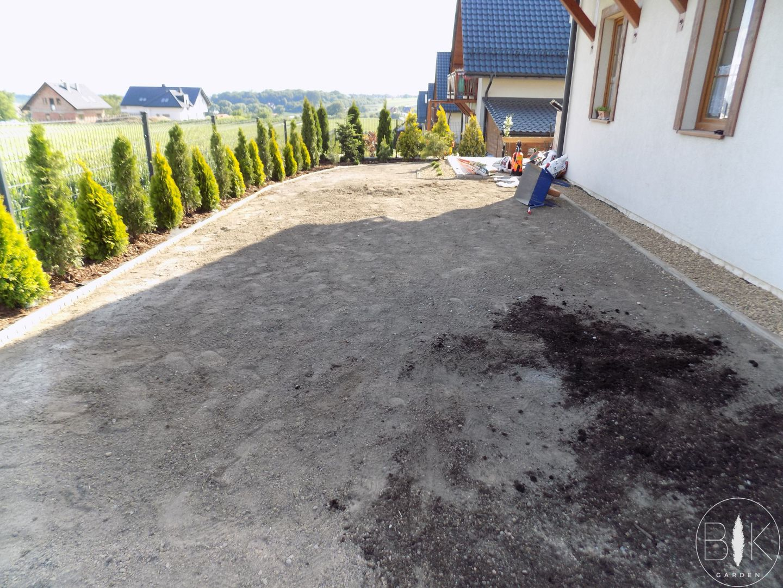 rownanie terenu pod trawnik